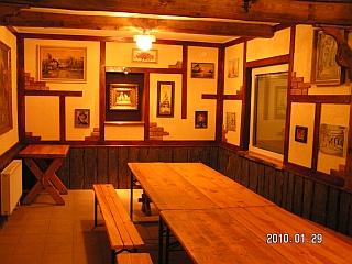 Biržų karčiamos salė