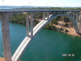 Tiltas per Krkos upę